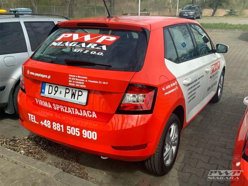 czerwony-samochod-1