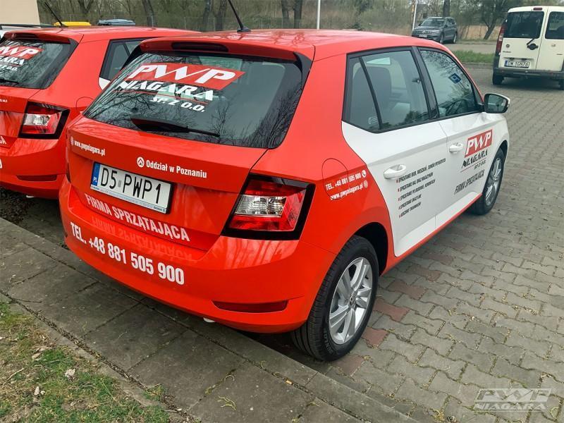 czerwony-samochod-3